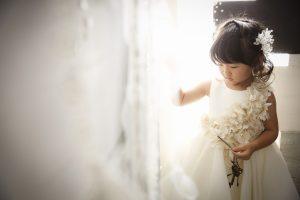 七五三前撮り写真撮影、かわいいドレスでおしゃれして