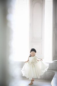 おしゃれなドレスでかわいくダンス